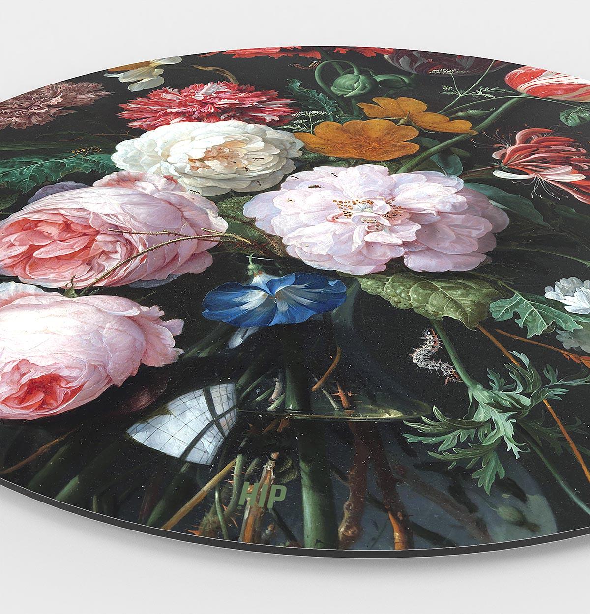 HIP ORGNL Stilleven met bloemen in een glazen vaas Side